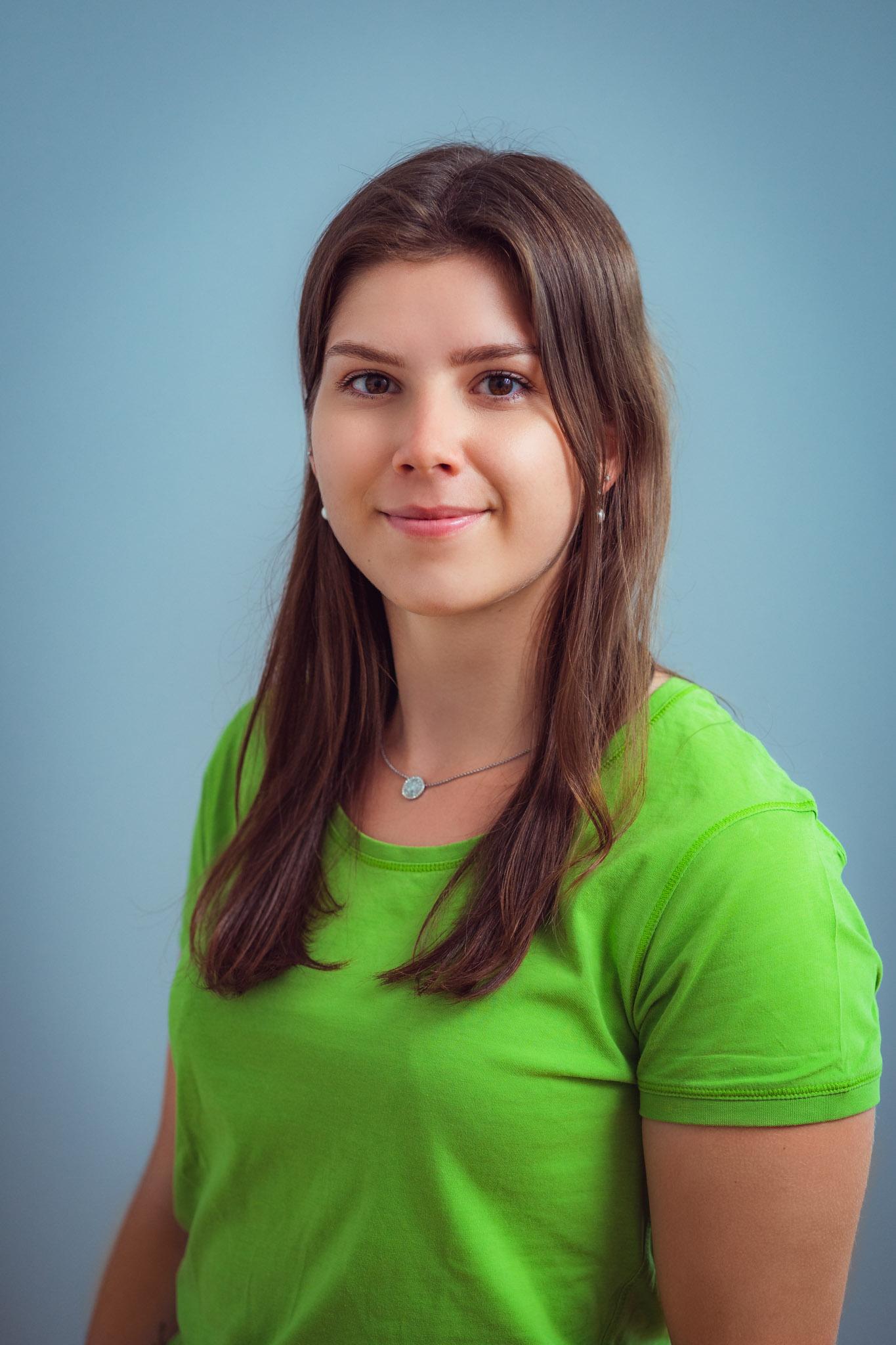 Mitarbeiterfoto 07.2021 Lena Hünies web